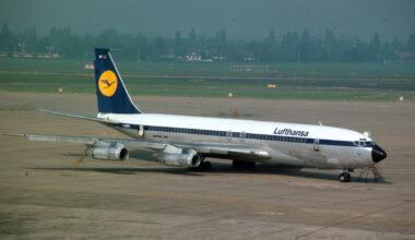 Lufthansa_Passage_Boeing_707_(D-ABUM)_at_DUS_1982_(14553458553)