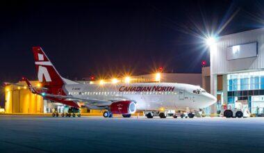 Canadian North 737-300
