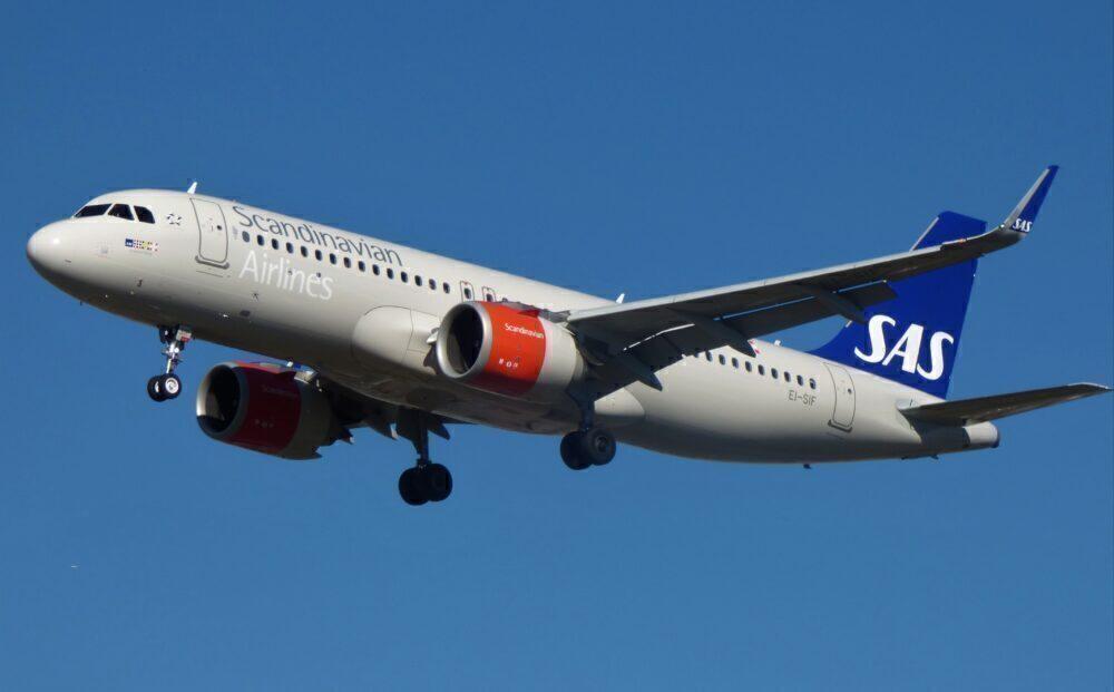 SAS Ireland Airbus A320neo London Heathrow