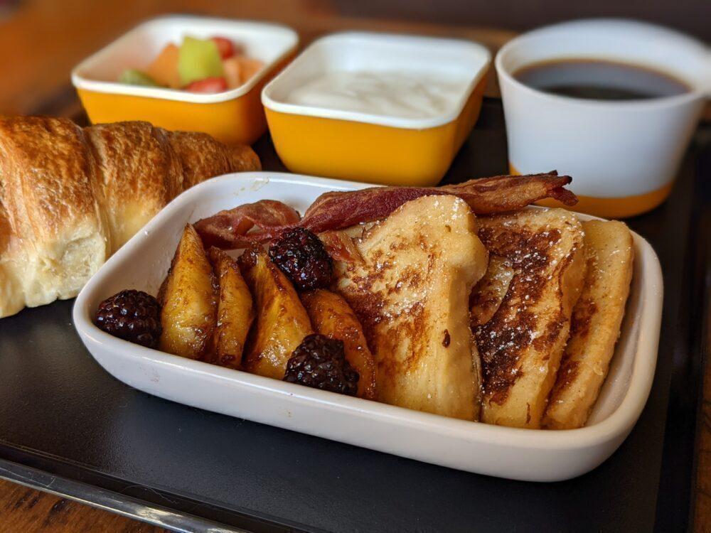 SOPLANE Qatar French Toast and Banana Recreation