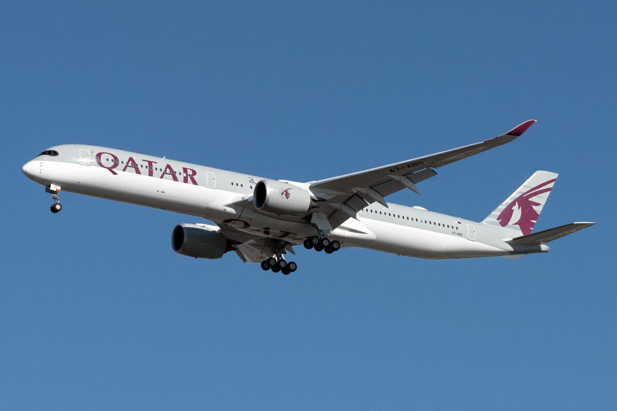 Qatar Airways Airbus A350 1041 A7 ANG 1 scaled.