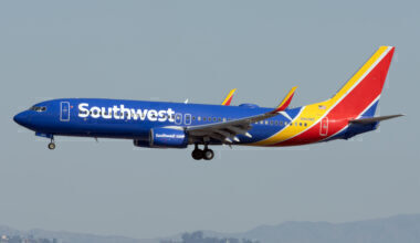Southwest Airlines Boeing 737-8H4 N8696E (1)