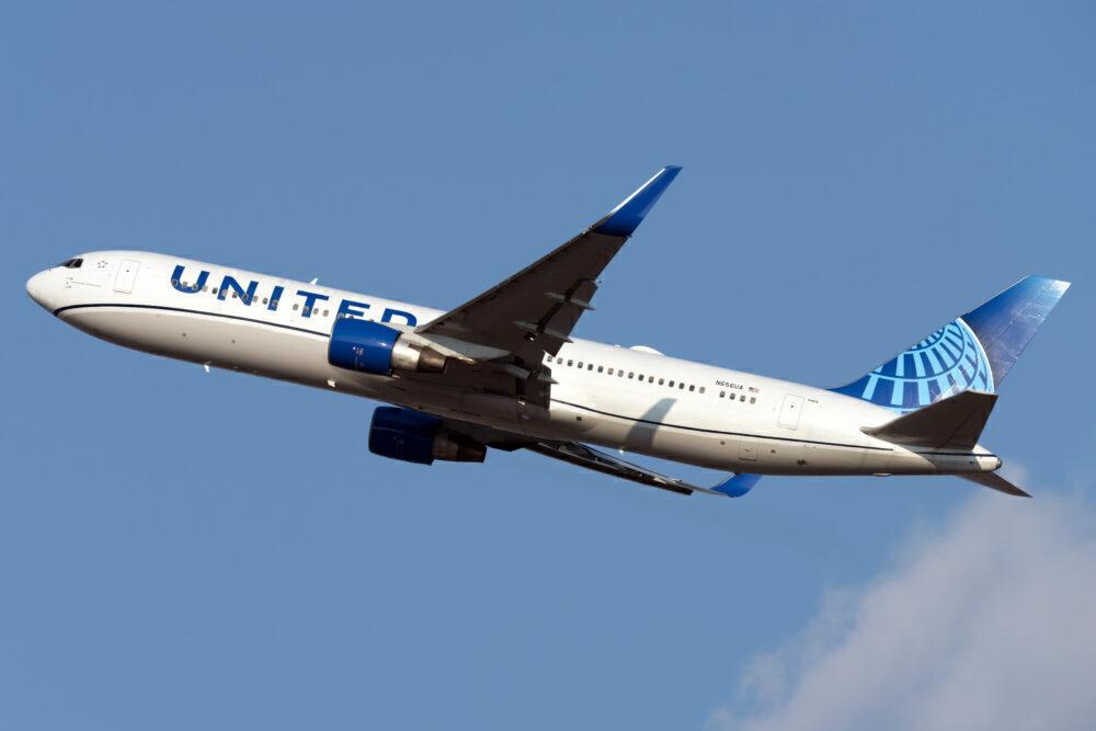 UA 767-300ER
