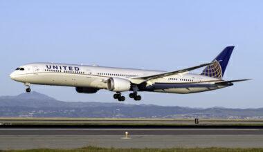 United Airlines Boeing 787-10 Dreamliner N12004
