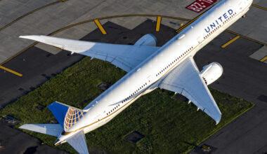 United Airlines Boeing 787-10 Dreamliner N12006 3x2