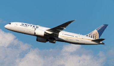 United Boeing 787-8