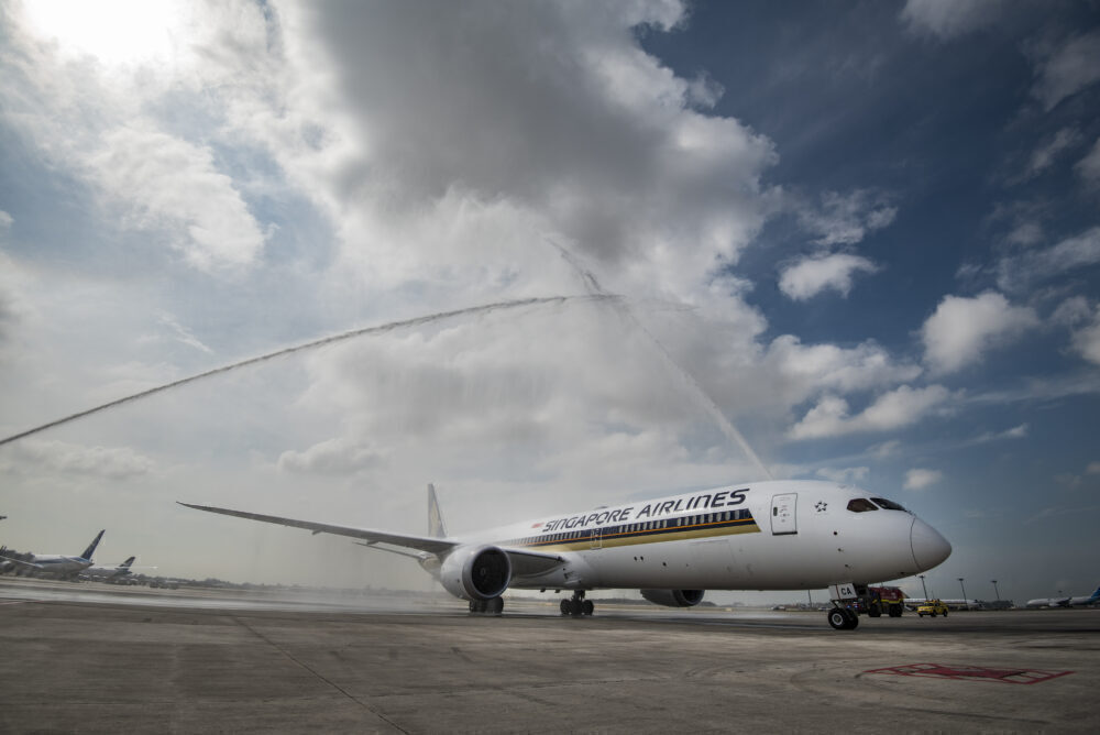 Singapore Airlines Generates $1.5 Billion From Aircraft Leaseback Sales