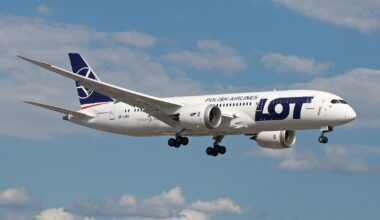1600px-LOT_Polish_Airlines_Boeing_787-8_SP-LRG_(35417459140)