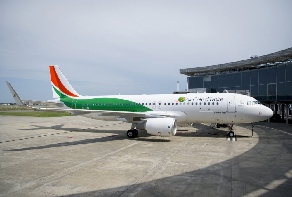 1st-A320-delivery-to-Air-Cote-d-Ivoire-012