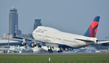 2560px-Delta_Air_Lines_Boeing_747-400_N661US_NRT_(21235407528)