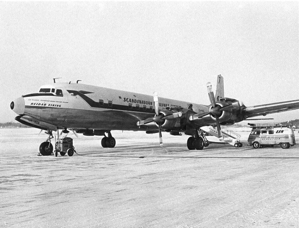 SAS DC-7