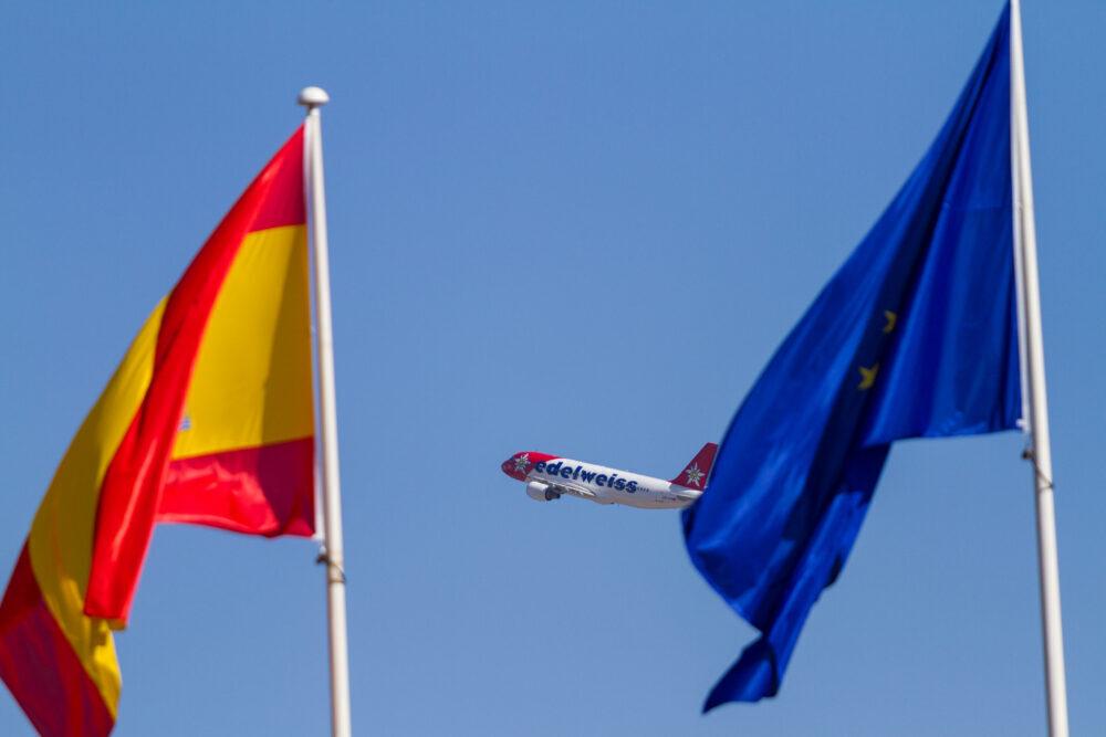 Edelweiss A320 EU Flag