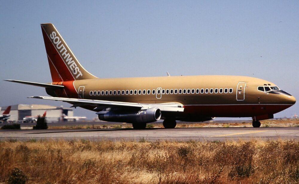 SW 737-200