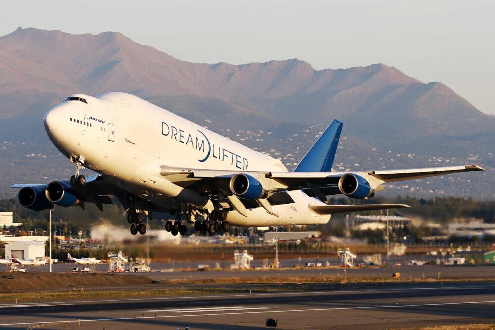 Boeing 747-400LCF Dreamlifter