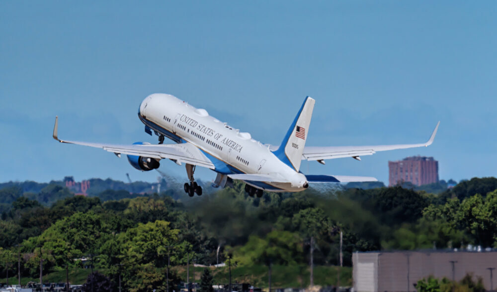 Boeing 757 C-32 Air Force Two