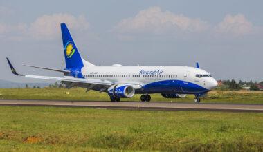 RwandAir 737-800