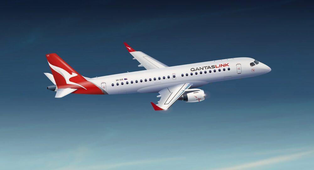 Alliance QantasLink Embraer 190 (3d) flying LR
