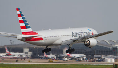 American_Airlines_Boeing_777-200(ER)_N781AN_Photo_297_(13836950274)