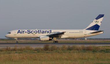 Boeing_757-28A,_Air-Scotland_(Air_Holland)_AN0383403