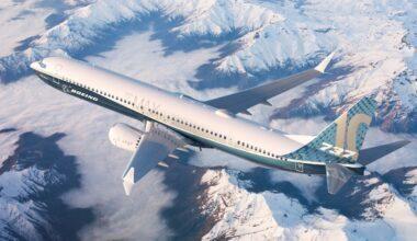 Boeing MAX 10