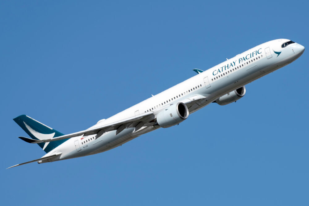 Cathay Pacific Airbus A350-1041 B-LXG