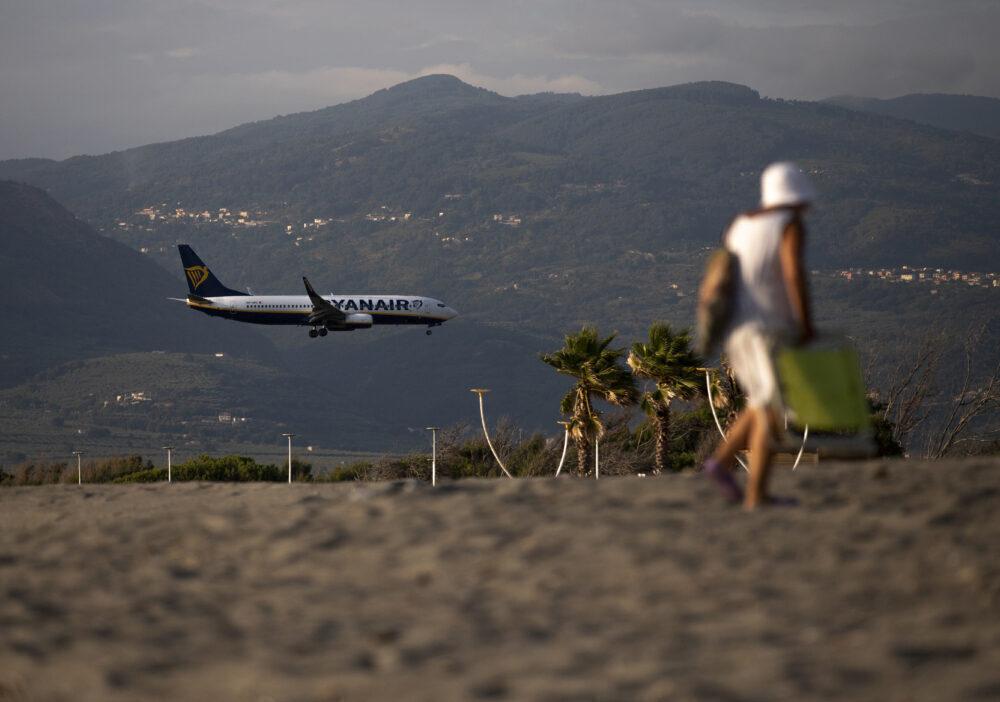 Ryanair 737-800 Italy