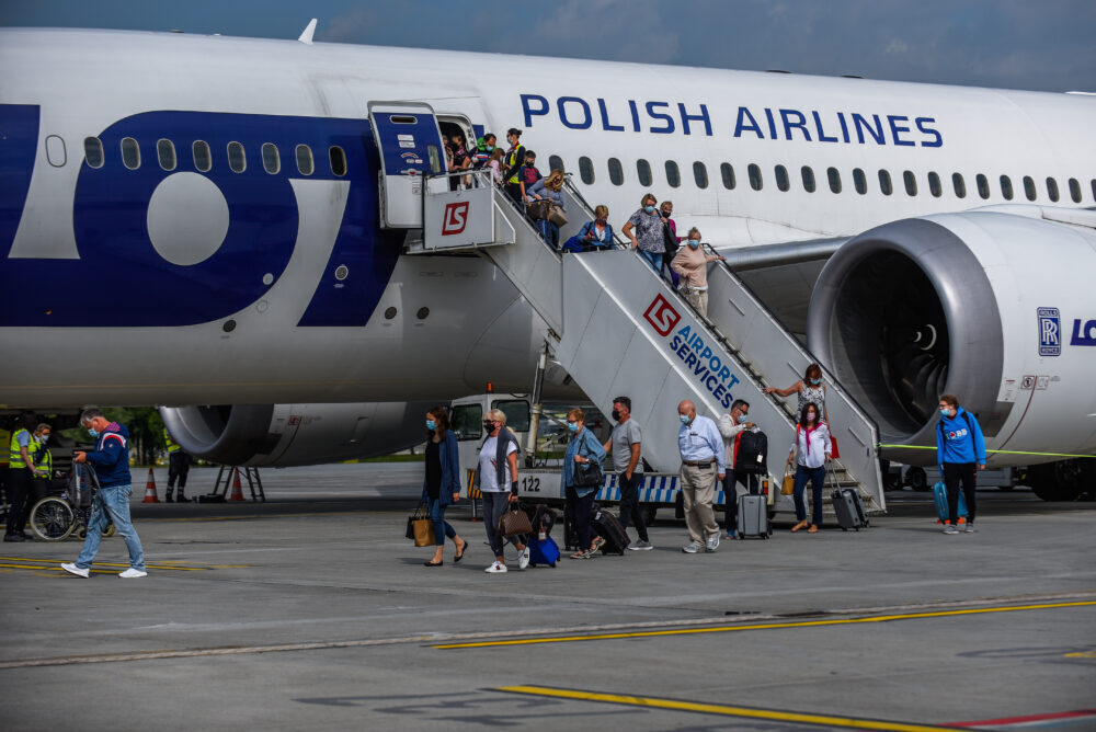LOT Polish Airlines Implements Big Apple Expansion With Krakow Route