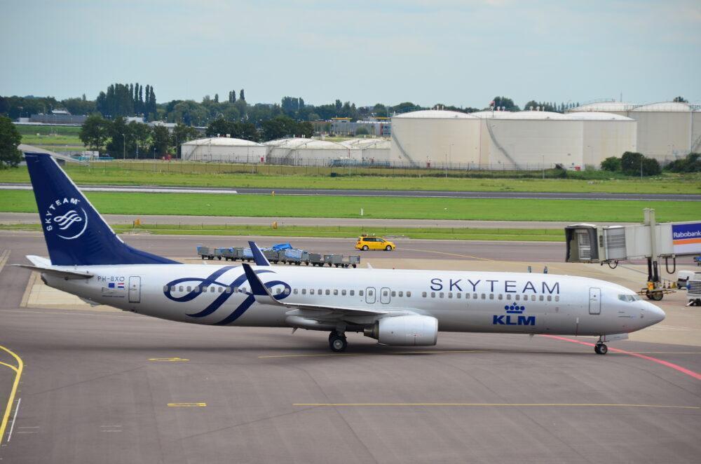 KLM 737-900