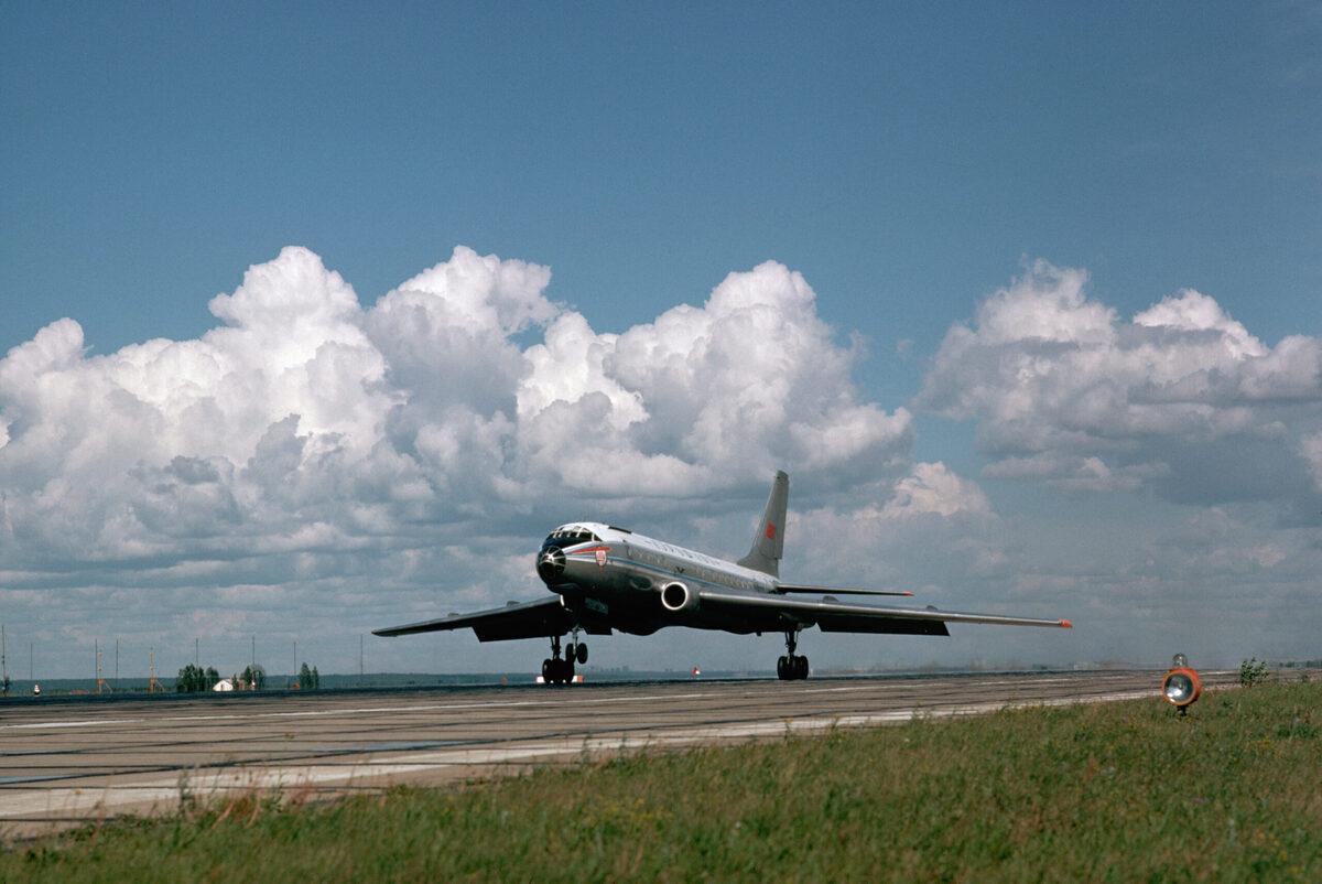 When The Soviet Tupolev Tu-104 Became The 2nd Jetliner In Service
