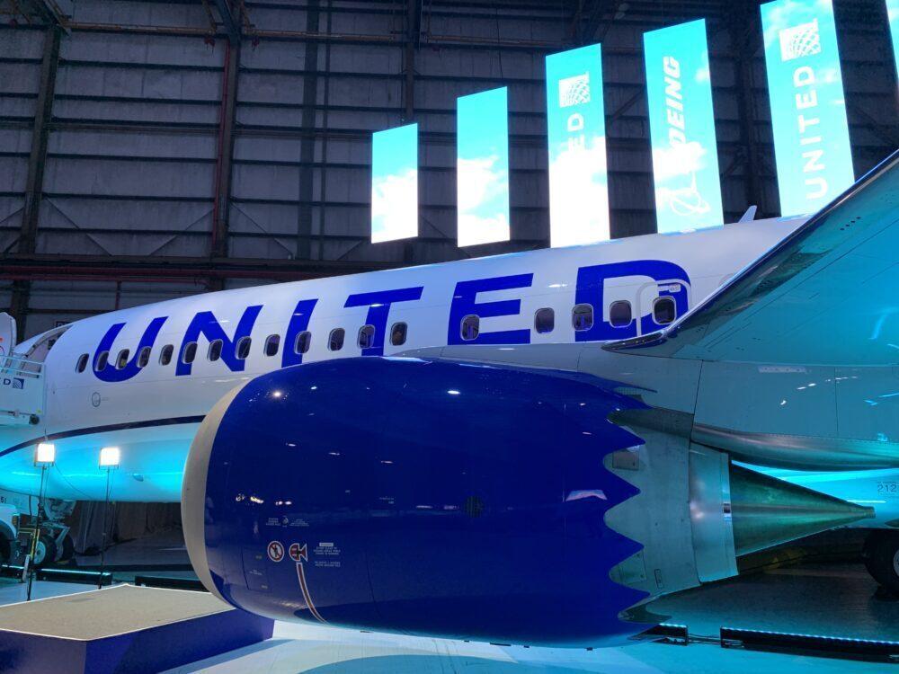 United MAX 8