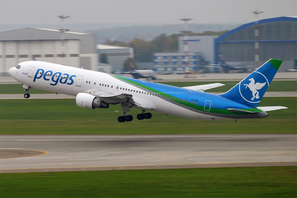 Pegas Fly Boeing 767-300