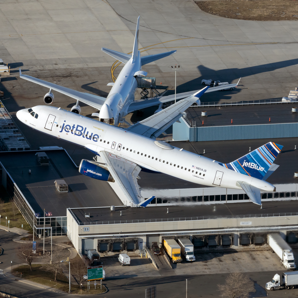 Would A Twin Aisle Configuration Work On The Airbus A320 Family?