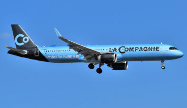 La_Compagnie_Airbus_A321-251NX_F-HBUZ_approaching_Newark_Airport