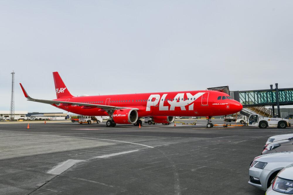 PLAY inaugural flight