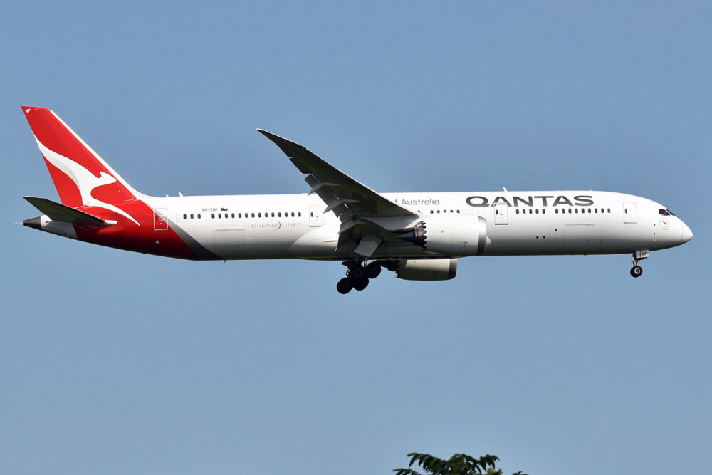 Qantas Boeing 787-9 VH-ZNF