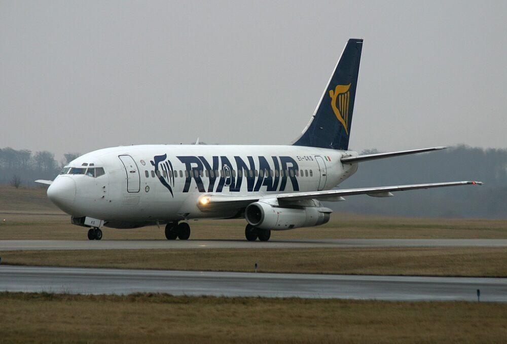 Ryanair 737-200