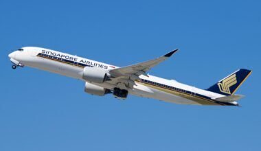 Singapore Airlines Airbus A350-941 9V-SGG (1)