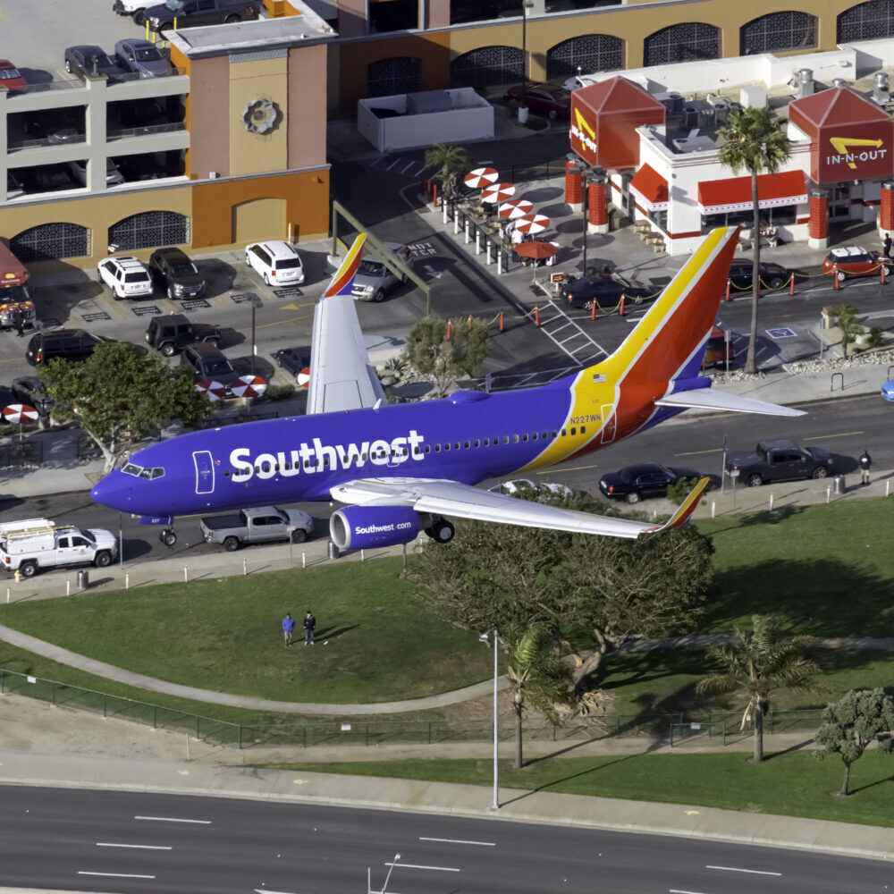 Southwest Airlines Boeing 737-7H4 N227WN