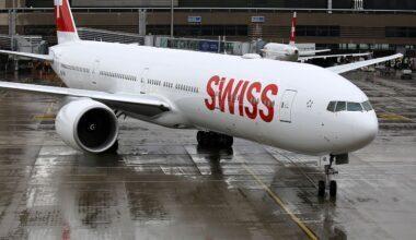 Swiss_International_Air_Lines_Boeing_777-3DE-ER_HB-JNB_(34045752935)