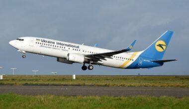 Ukraine_International_Boeing_737-800_UR-PSD