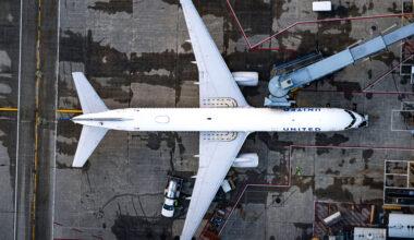 UA 757