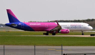 Wizz_Air_UK,_G-WUKI,_Airbus_A321-231_(49601847246)