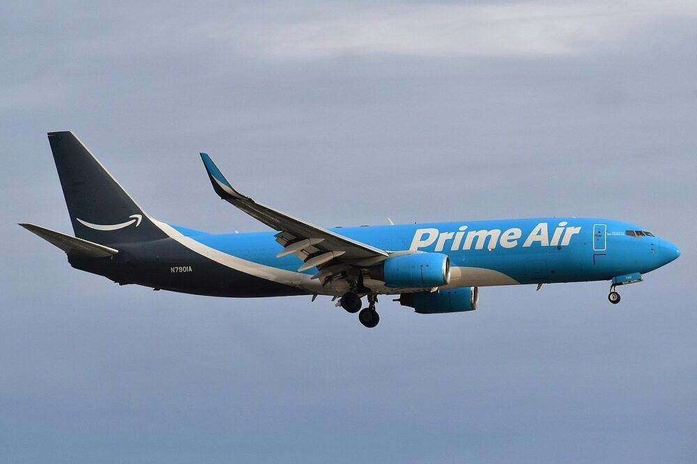 Amazon 737-800BCF