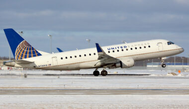 United Express Mesa Airlines Embraer 175