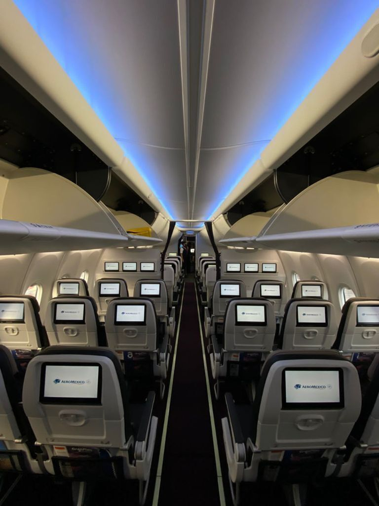 Aeromexico 737 MAX cabin