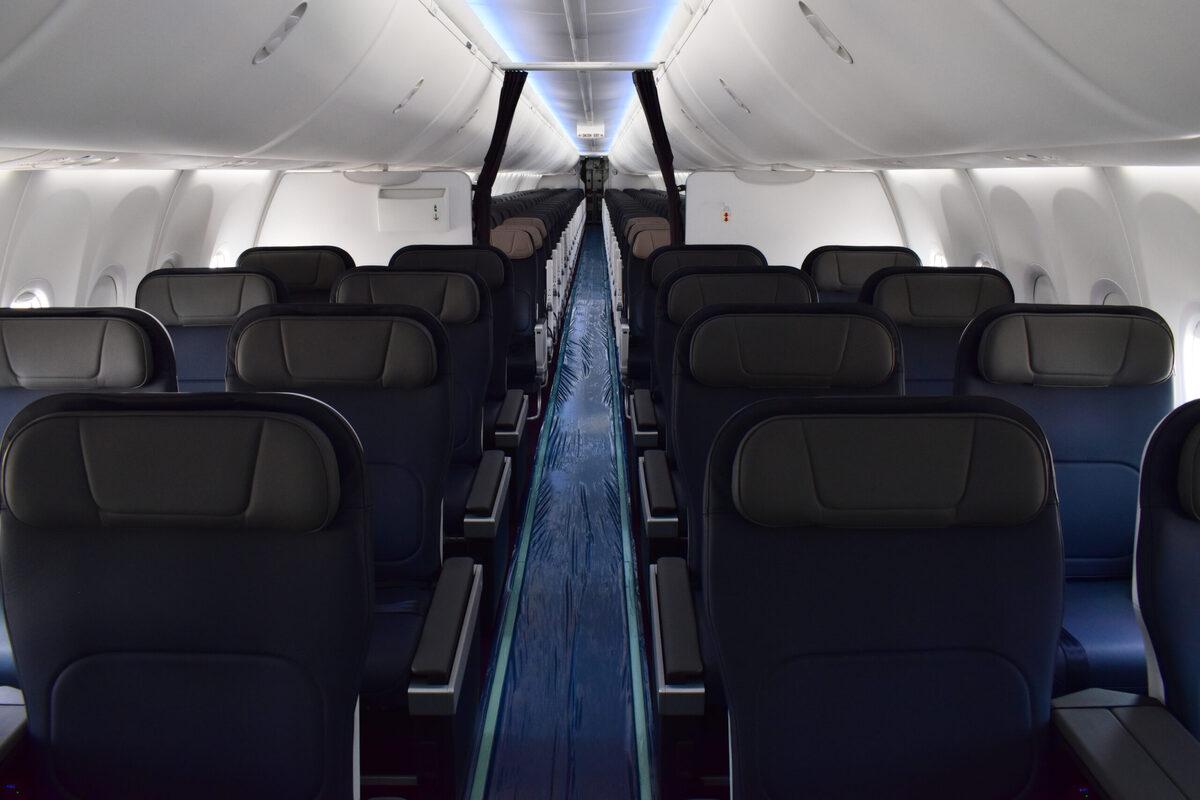 Aeromexico MAX 9 cabin