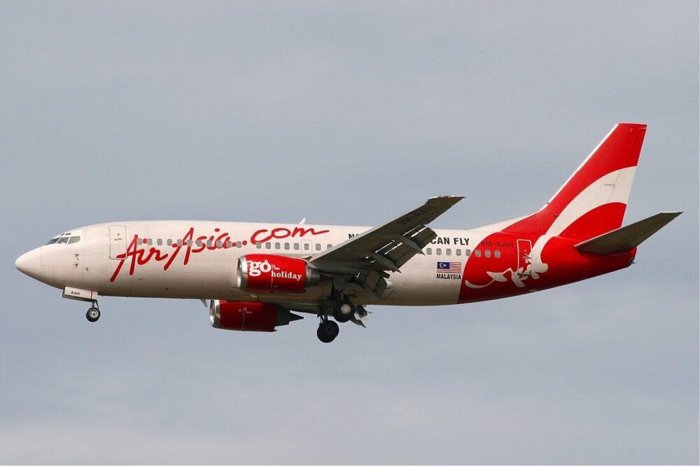 AirAsia Boeing 737-300