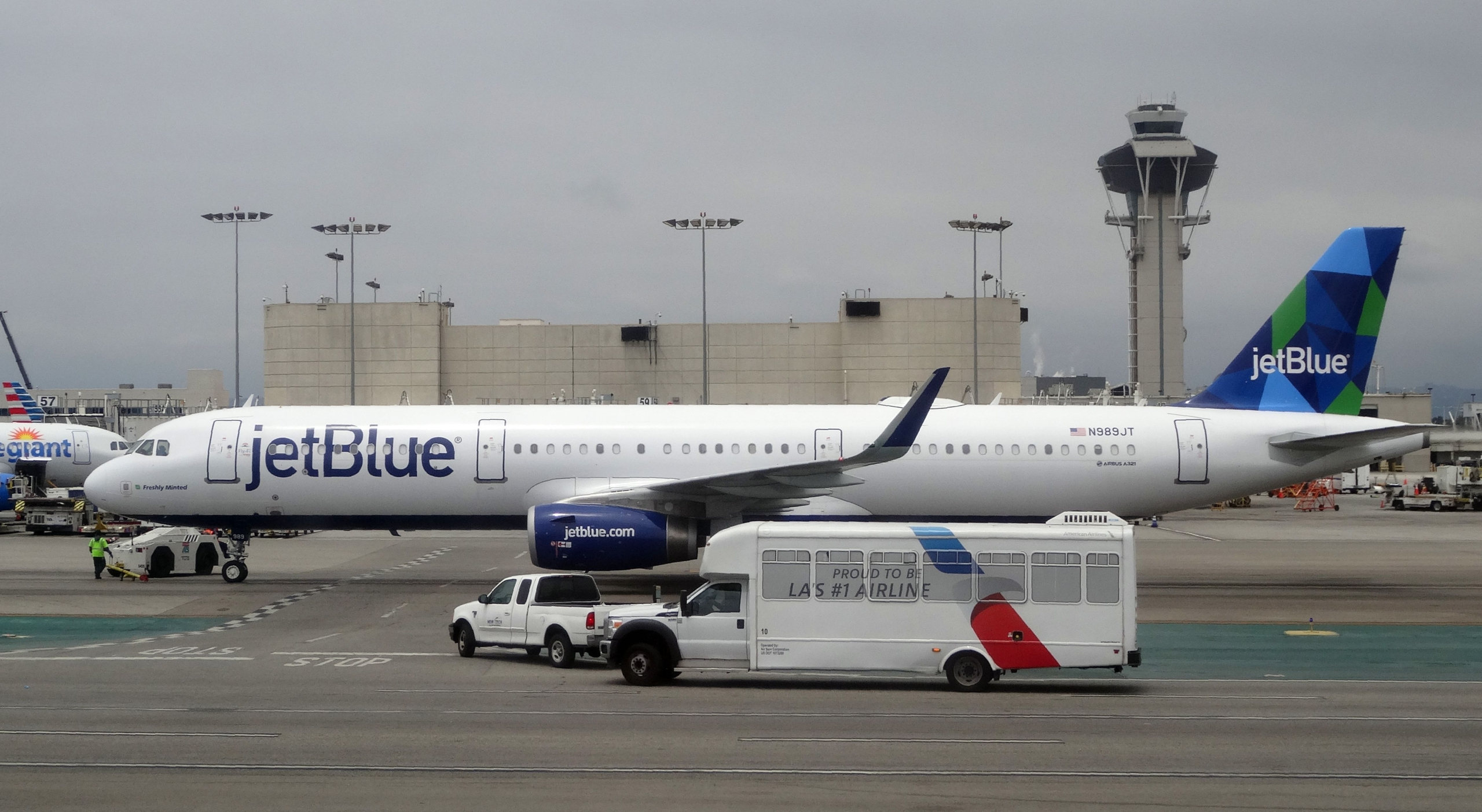 JetBlue Flight Landed In Newark With Small Fire