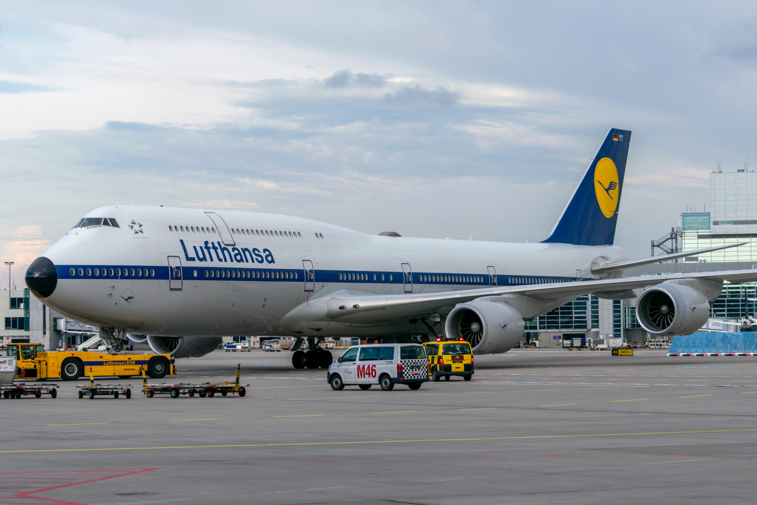Lufthansa, Boeing 747, Return