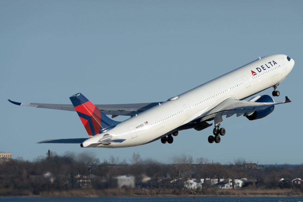 Delta Air Lines Airbus A330-941 N401DZ (1)